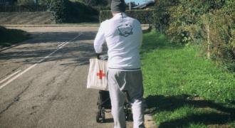 Dinero-brugere samlede ind til Røde Kors under Team Dineros faner.